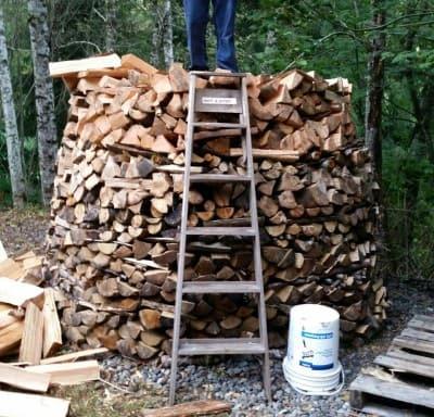 firewood storage using the hozlhausen method