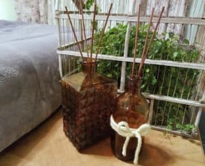 diy reed diffuser - using essential oils