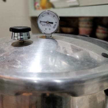 How to Use a Dial Gauge Pressure Canner