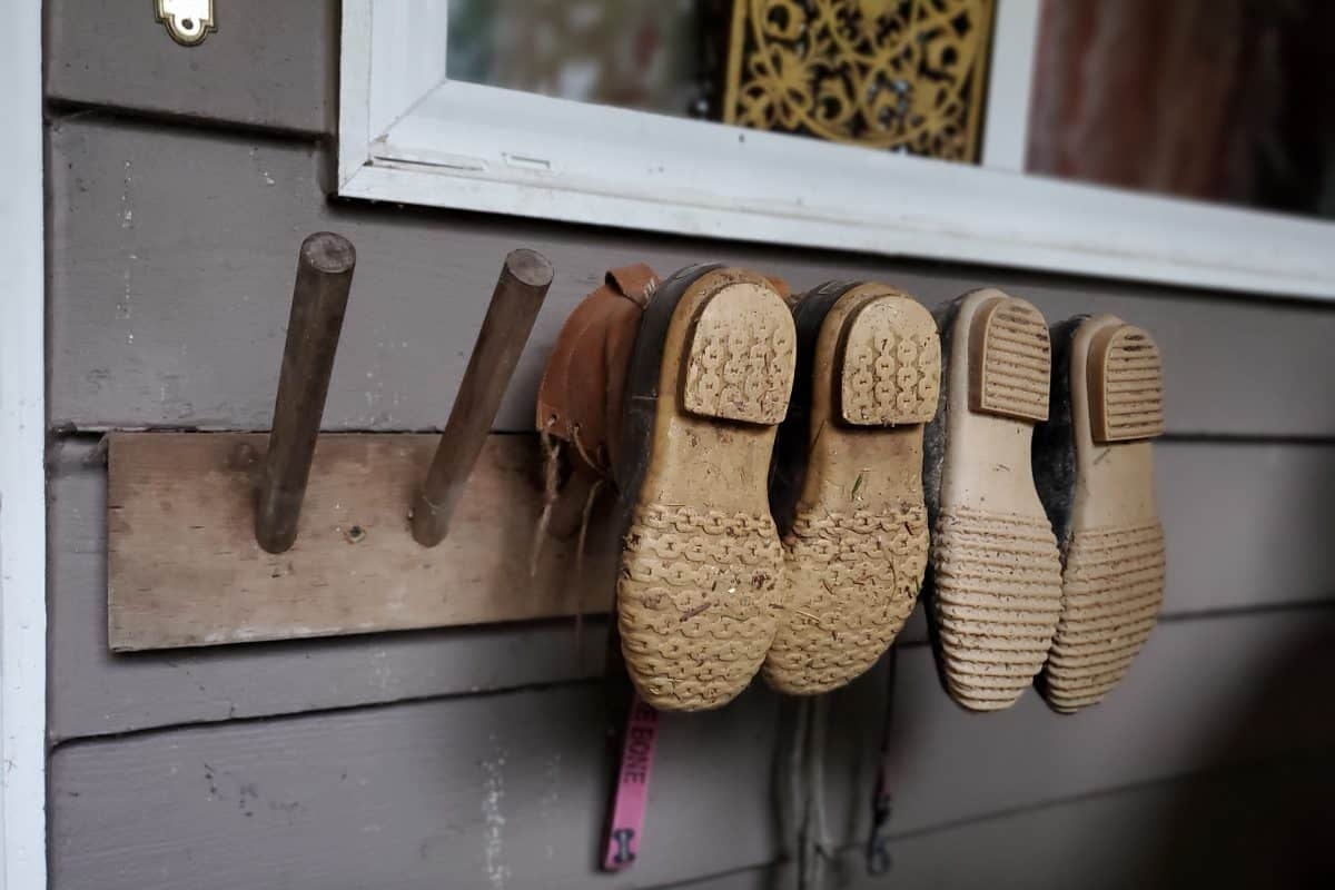 DIY Boot Rack for the Porch