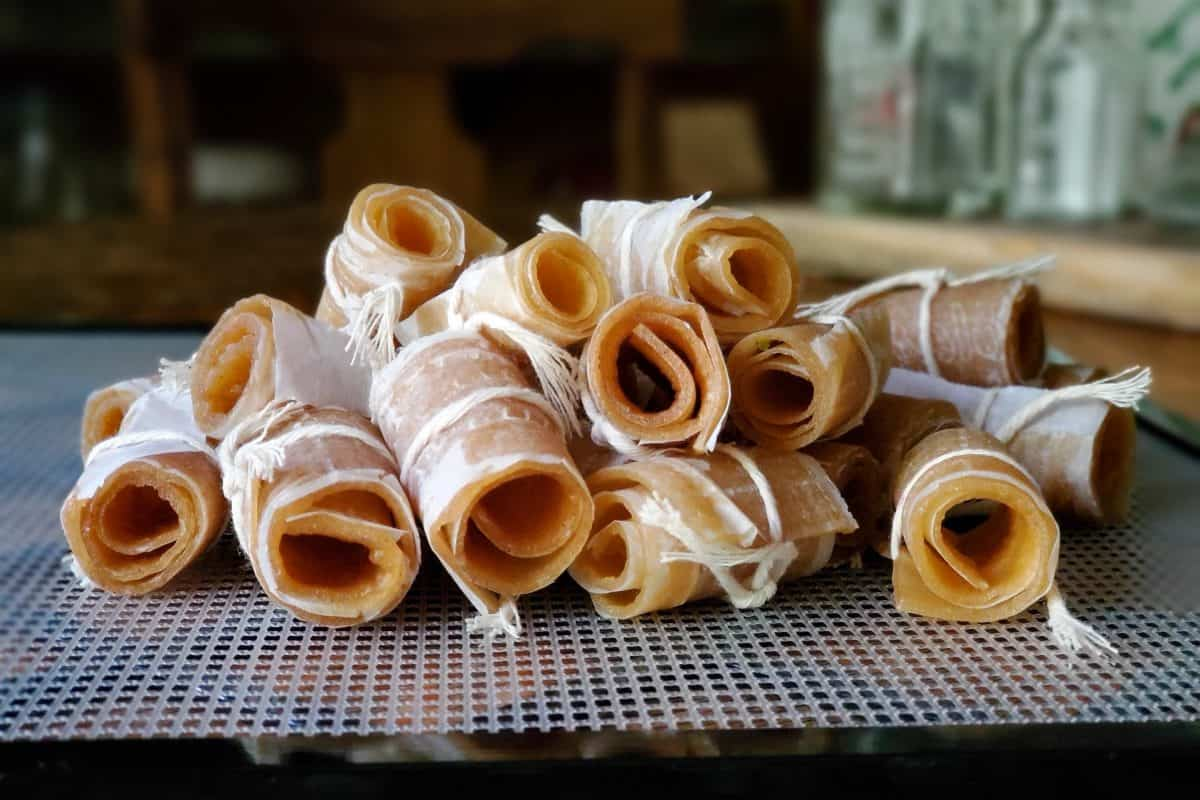 Apple Cinnamon Fruit Leather | an Easy Homemade Recipe